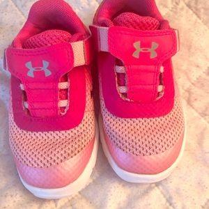 UnderArmour Toddler Girl Velcro Sneakers Size 6